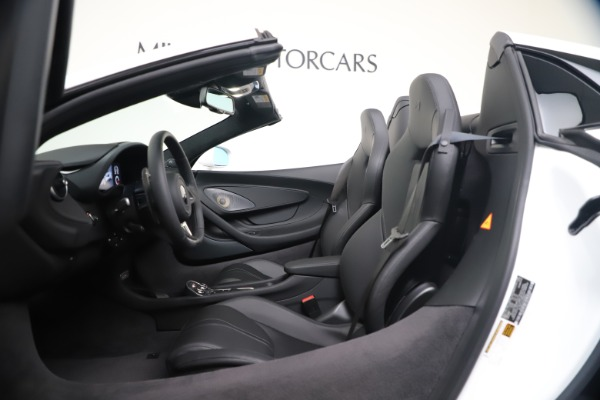 New 2020 McLaren 570S Spider Convertible for sale $231,150 at Bentley Greenwich in Greenwich CT 06830 23