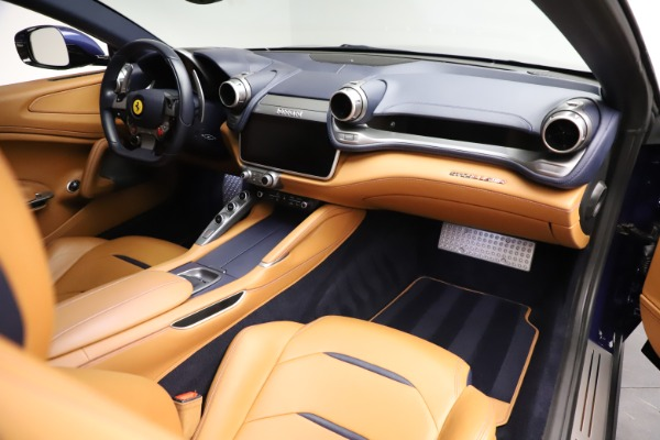 Used 2017 Ferrari GTC4Lusso for sale $204,900 at Bentley Greenwich in Greenwich CT 06830 18