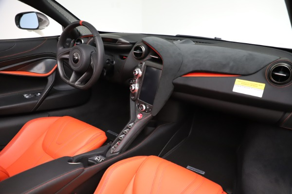 New 2020 McLaren 720S Spider Performance for sale $386,289 at Bentley Greenwich in Greenwich CT 06830 23