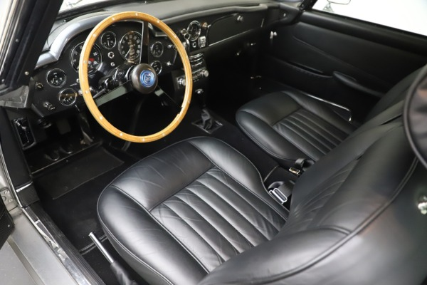 Used 1964 Aston Martin DB5 for sale Call for price at Bentley Greenwich in Greenwich CT 06830 15
