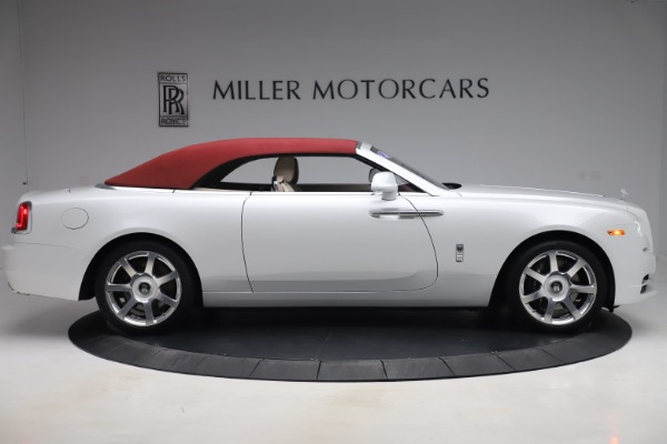 Used 2016 Rolls-Royce Dawn for sale $239,900 at Bentley Greenwich in Greenwich CT 06830 17