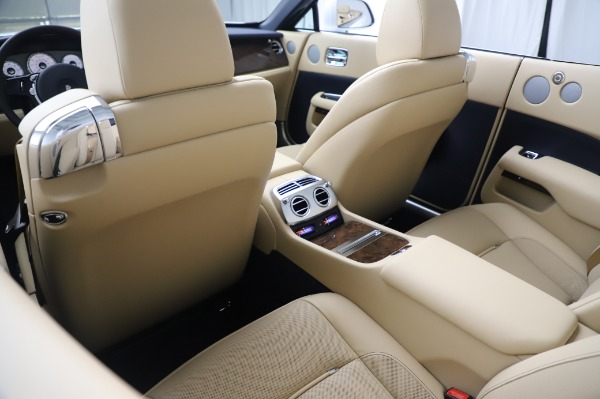 New 2020 Rolls-Royce Dawn for sale $382,100 at Bentley Greenwich in Greenwich CT 06830 23