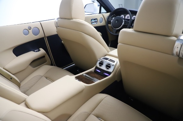 New 2020 Rolls-Royce Dawn for sale $382,100 at Bentley Greenwich in Greenwich CT 06830 24