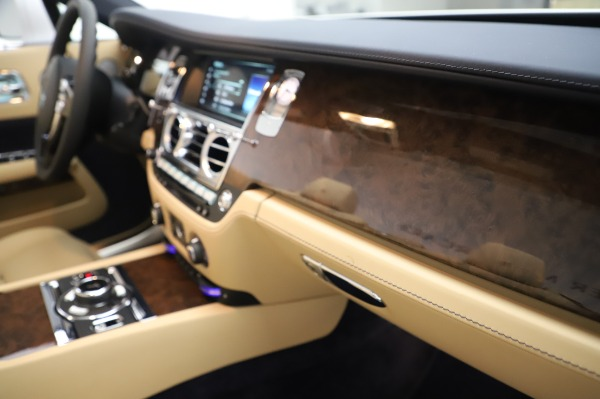 New 2020 Rolls-Royce Dawn for sale $382,100 at Bentley Greenwich in Greenwich CT 06830 27