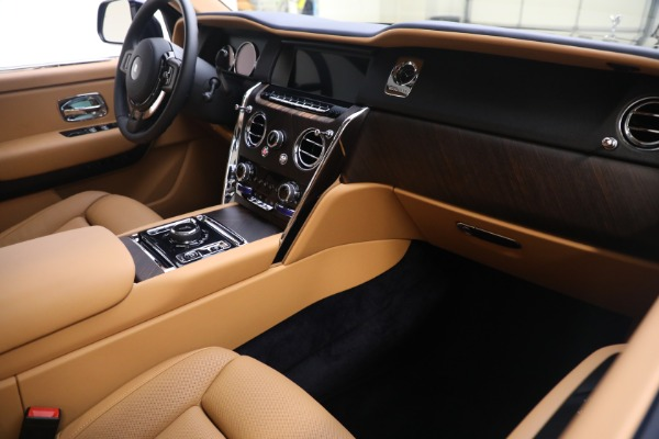 Used 2020 Rolls-Royce Cullinan for sale Call for price at Bentley Greenwich in Greenwich CT 06830 16