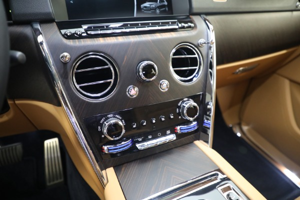 Used 2020 Rolls-Royce Cullinan for sale Call for price at Bentley Greenwich in Greenwich CT 06830 24
