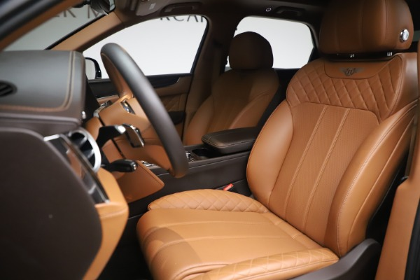 Used 2017 Bentley Bentayga W12 for sale $149,900 at Bentley Greenwich in Greenwich CT 06830 17