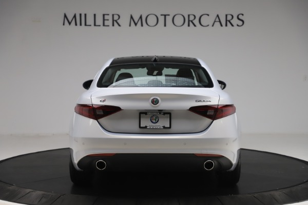 New 2020 Alfa Romeo Giulia Ti Q4 for sale $52,345 at Bentley Greenwich in Greenwich CT 06830 6