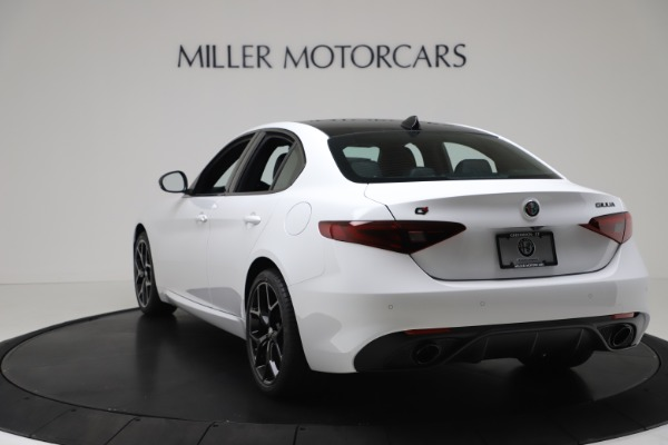 New 2020 Alfa Romeo Giulia Sport Q4 for sale $49,145 at Bentley Greenwich in Greenwich CT 06830 5