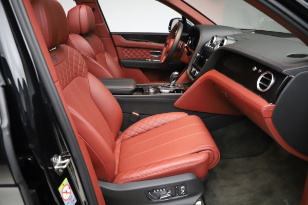 Used 2017 Bentley Bentayga W12 for sale $145,900 at Bentley Greenwich in Greenwich CT 06830 26