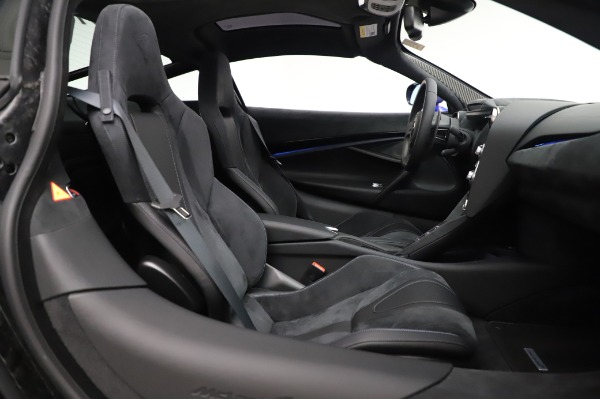New 2020 McLaren 720S Coupe for sale $349,050 at Bentley Greenwich in Greenwich CT 06830 19