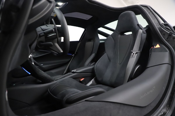 New 2020 McLaren 720S Coupe for sale $349,050 at Bentley Greenwich in Greenwich CT 06830 22