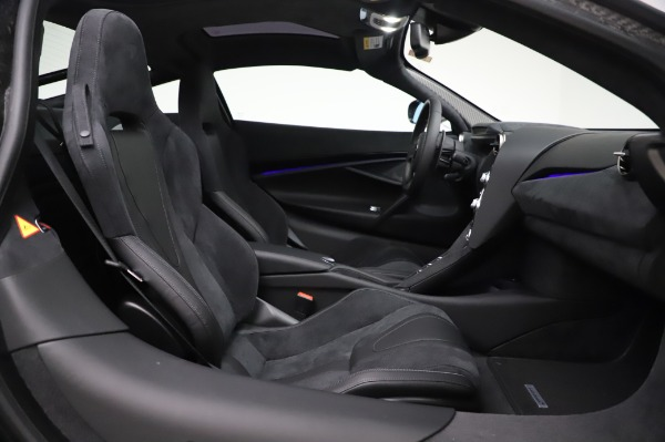 New 2020 McLaren 720S Coupe for sale $347,550 at Bentley Greenwich in Greenwich CT 06830 17