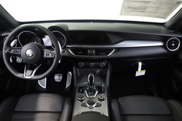 New 2020 Alfa Romeo Stelvio Ti Sport Q4 for sale $57,945 at Bentley Greenwich in Greenwich CT 06830 16