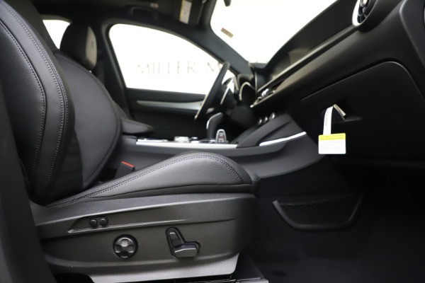 New 2020 Alfa Romeo Stelvio Ti Sport Q4 for sale $57,945 at Bentley Greenwich in Greenwich CT 06830 23