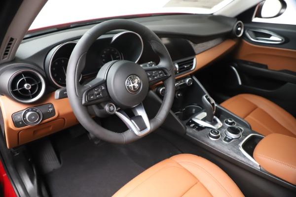New 2020 Alfa Romeo Giulia Q4 for sale $46,395 at Bentley Greenwich in Greenwich CT 06830 13