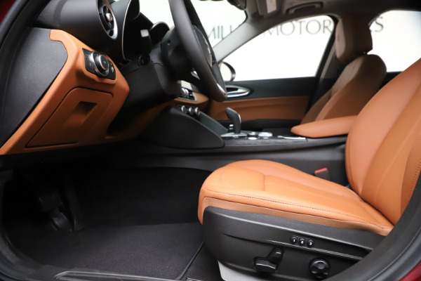 New 2020 Alfa Romeo Giulia Q4 for sale $46,395 at Bentley Greenwich in Greenwich CT 06830 14