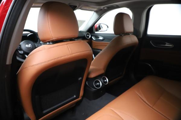 New 2020 Alfa Romeo Giulia Q4 for sale $46,395 at Bentley Greenwich in Greenwich CT 06830 20