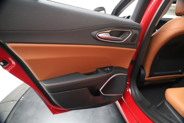 New 2020 Alfa Romeo Giulia Q4 for sale $46,395 at Bentley Greenwich in Greenwich CT 06830 21