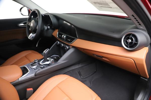 New 2020 Alfa Romeo Giulia Q4 for sale $46,395 at Bentley Greenwich in Greenwich CT 06830 22