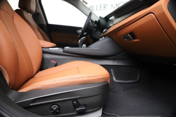 New 2020 Alfa Romeo Giulia Q4 for sale $46,395 at Bentley Greenwich in Greenwich CT 06830 23