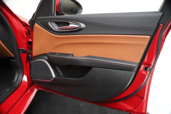 New 2020 Alfa Romeo Giulia Q4 for sale $46,395 at Bentley Greenwich in Greenwich CT 06830 25