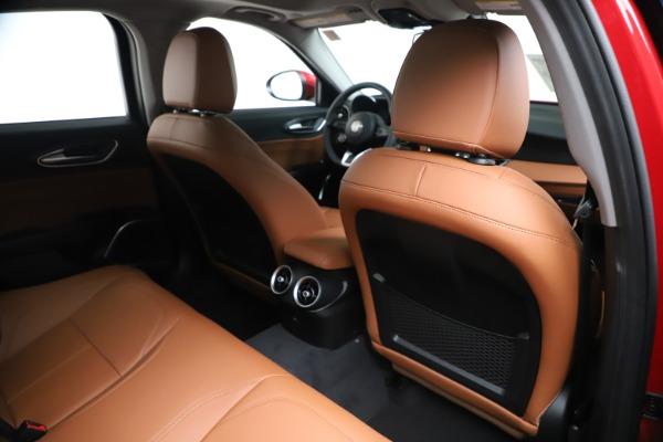 New 2020 Alfa Romeo Giulia Q4 for sale $46,395 at Bentley Greenwich in Greenwich CT 06830 28
