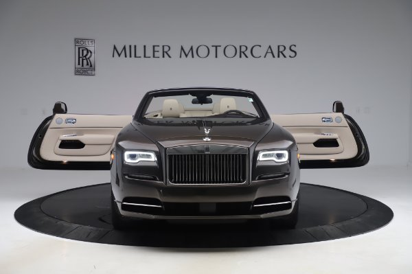 Used 2017 Rolls-Royce Dawn Base for sale $248,900 at Bentley Greenwich in Greenwich CT 06830 10