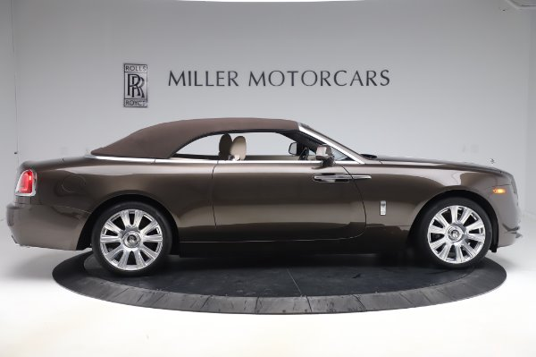 Used 2017 Rolls-Royce Dawn Base for sale $248,900 at Bentley Greenwich in Greenwich CT 06830 18