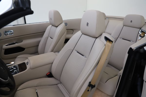 Used 2017 Rolls-Royce Dawn Base for sale $248,900 at Bentley Greenwich in Greenwich CT 06830 21
