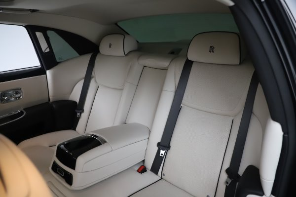 Used 2015 Rolls-Royce Ghost Base for sale Call for price at Bentley Greenwich in Greenwich CT 06830 14