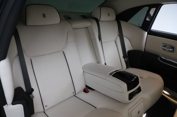 Used 2015 Rolls-Royce Ghost Base for sale Call for price at Bentley Greenwich in Greenwich CT 06830 15