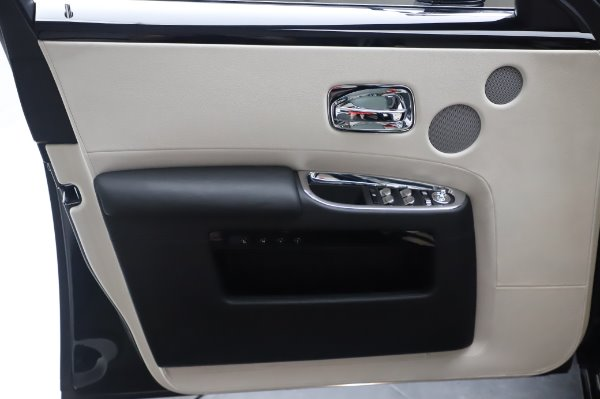 Used 2015 Rolls-Royce Ghost Base for sale Call for price at Bentley Greenwich in Greenwich CT 06830 27
