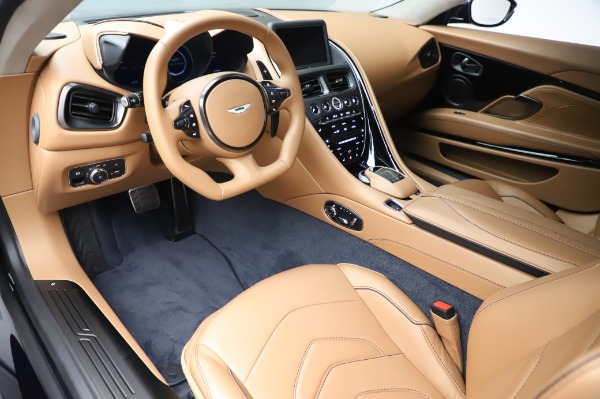 New 2020 Aston Martin DBS Superleggera Coupe for sale $338,286 at Bentley Greenwich in Greenwich CT 06830 13