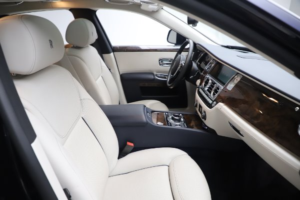 Used 2016 Rolls-Royce Ghost for sale $173,900 at Bentley Greenwich in Greenwich CT 06830 13