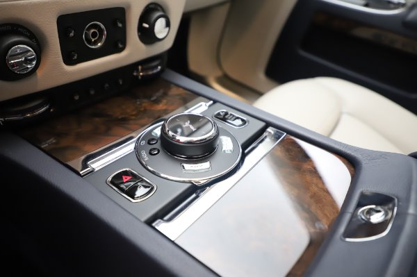 Used 2016 Rolls-Royce Ghost for sale $173,900 at Bentley Greenwich in Greenwich CT 06830 20