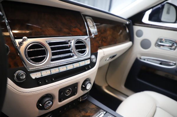 Used 2016 Rolls-Royce Ghost for sale $173,900 at Bentley Greenwich in Greenwich CT 06830 22