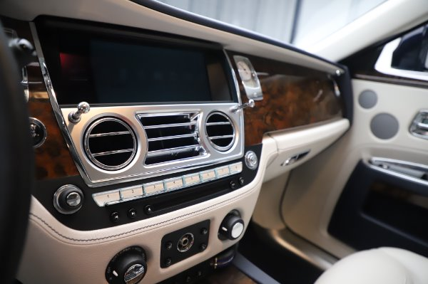 Used 2016 Rolls-Royce Ghost for sale $173,900 at Bentley Greenwich in Greenwich CT 06830 23