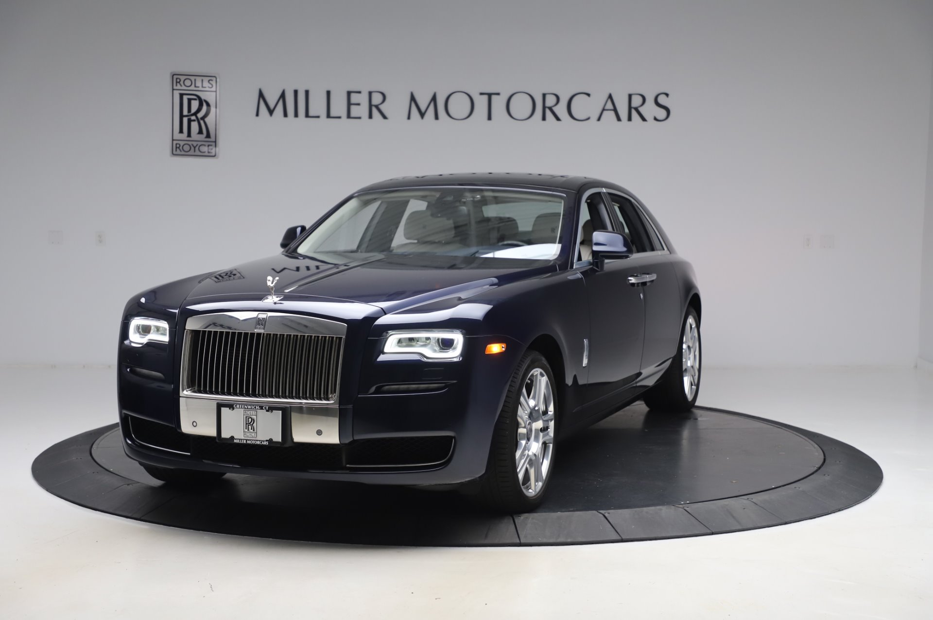 Used 2016 Rolls-Royce Ghost for sale $173,900 at Bentley Greenwich in Greenwich CT 06830 1