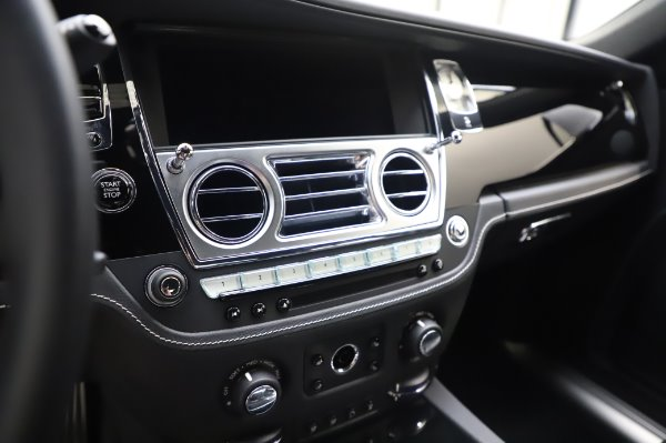 Used 2018 Rolls-Royce Ghost for sale $247,900 at Bentley Greenwich in Greenwich CT 06830 17