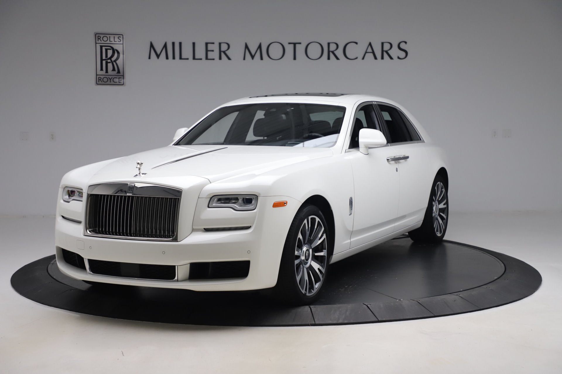 Used 2018 Rolls-Royce Ghost for sale $247,900 at Bentley Greenwich in Greenwich CT 06830 1