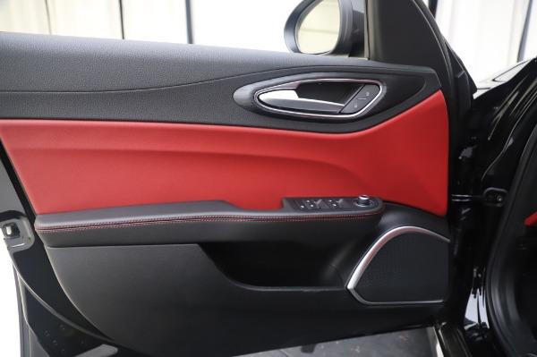 New 2020 Alfa Romeo Giulia Q4 for sale $48,445 at Bentley Greenwich in Greenwich CT 06830 17