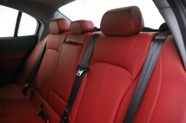 New 2020 Alfa Romeo Giulia Q4 for sale $48,445 at Bentley Greenwich in Greenwich CT 06830 18