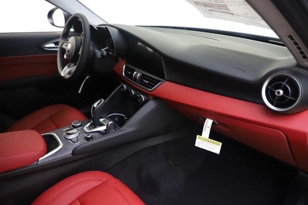 New 2020 Alfa Romeo Giulia Q4 for sale $48,445 at Bentley Greenwich in Greenwich CT 06830 22