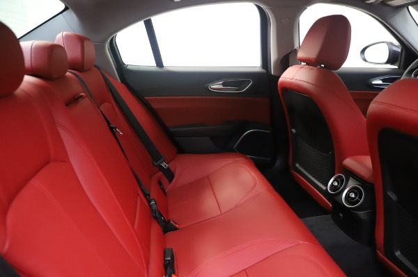 New 2020 Alfa Romeo Giulia Q4 for sale $48,445 at Bentley Greenwich in Greenwich CT 06830 27