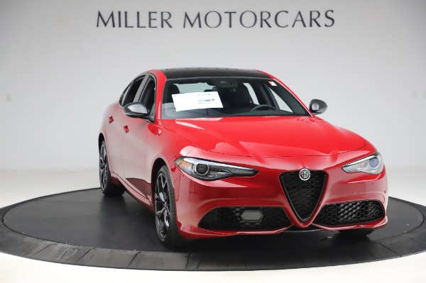 New 2020 Alfa Romeo Giulia Sport Q4 for sale Sold at Bentley Greenwich in Greenwich CT 06830 11
