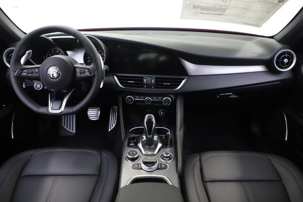 New 2020 Alfa Romeo Giulia Sport Q4 for sale $43,645 at Bentley Greenwich in Greenwich CT 06830 16
