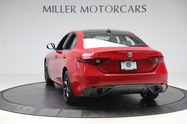 New 2020 Alfa Romeo Giulia Sport Q4 for sale $43,645 at Bentley Greenwich in Greenwich CT 06830 5