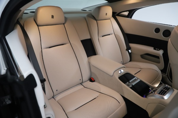 Used 2015 Rolls-Royce Wraith Base for sale $178,900 at Bentley Greenwich in Greenwich CT 06830 15