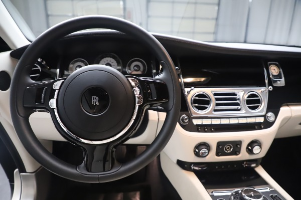 Used 2015 Rolls-Royce Wraith Base for sale $178,900 at Bentley Greenwich in Greenwich CT 06830 17
